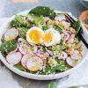 Rezept - Quinoa-Spinat-Salat mit Chiasamen und Ei - Simply Kochen Sonderheft - Frühlingssalate